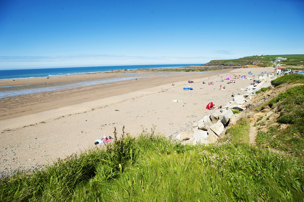Widemouth Bay Beach - 20 Of The Best Beaches In Cornwall