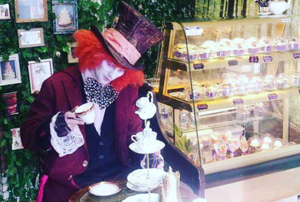 Alice In Wonderland Themed Café Arrives In Cornwall