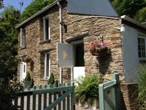 Dog Friendly Holiday Cottage Nr Perranporth. Sleeps 2