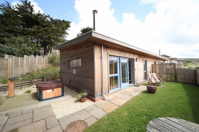 5 Star Holiday Lodge In Mawgan Porth. Sleeps 2