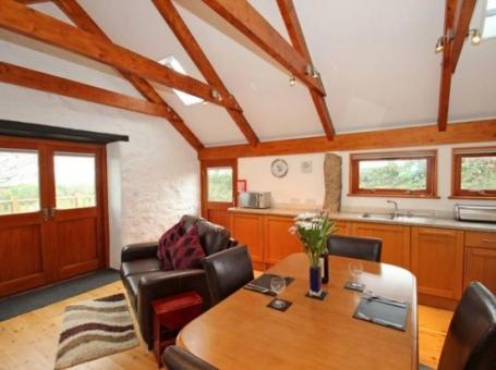 Holiday Barn In Hayle – Sea Views, Sleeps 2