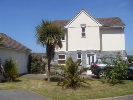3 Bedroom Holiday House In St Austell. Sleeps 6