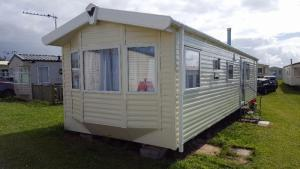 Luxury 3 Bedroom Caravan In Padstow. Sleeps 8
