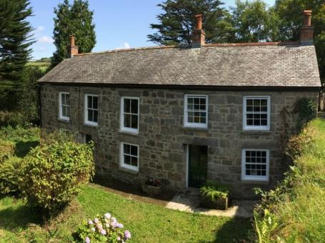 Stunning Country Holiday Cottage In Camborne. Sleeps 10