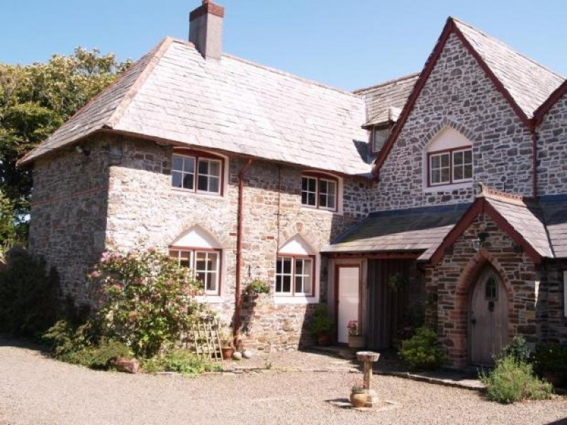 Quirky Holiday Cottage In Bude. Sleeps 4