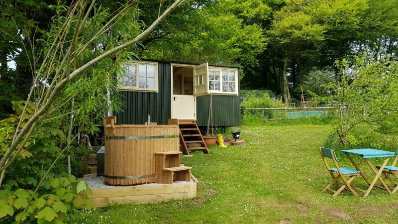 Secluded Shepherds Hut In Bude. Sleeps 2