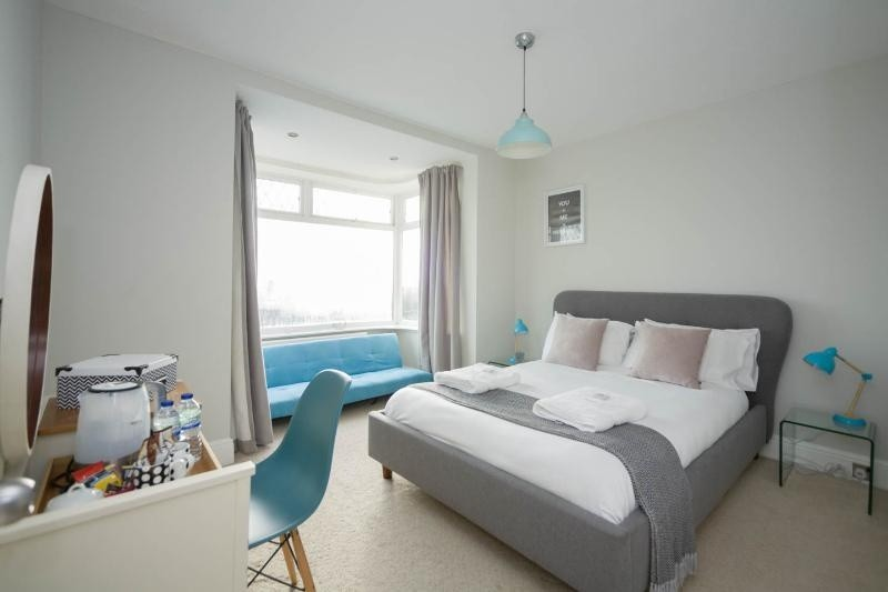 Luxury Holiday House In Newquay With Cinema. Sleeps 18