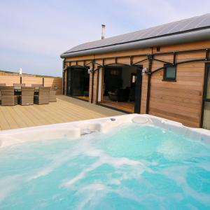 Luxury Barn conversion with Hot tub