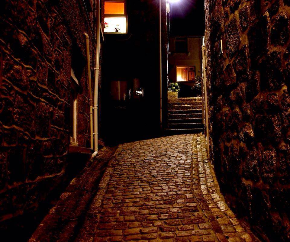 Even at night the cobbled streets of St Ives look beautiful.