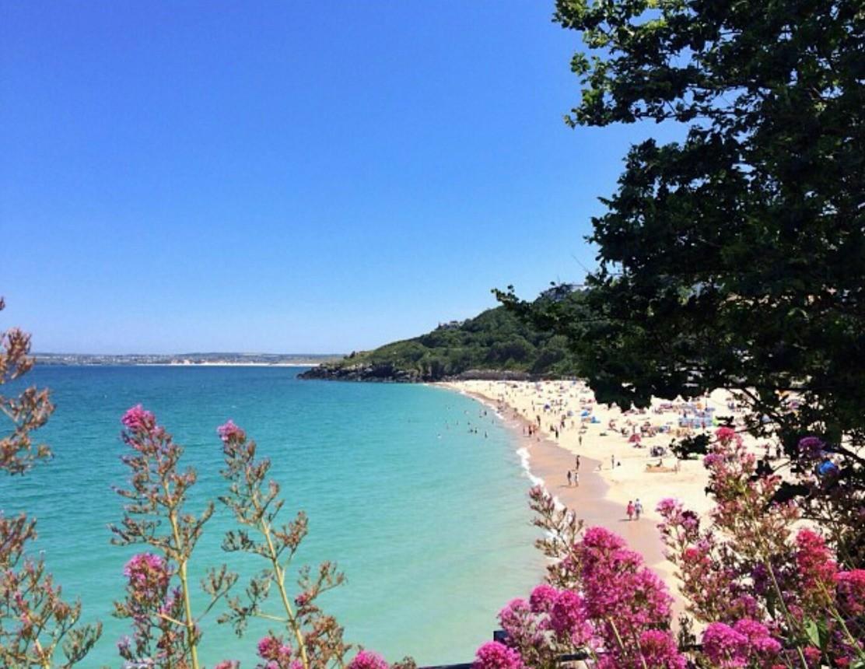 Holidays Cornwall at a Glance