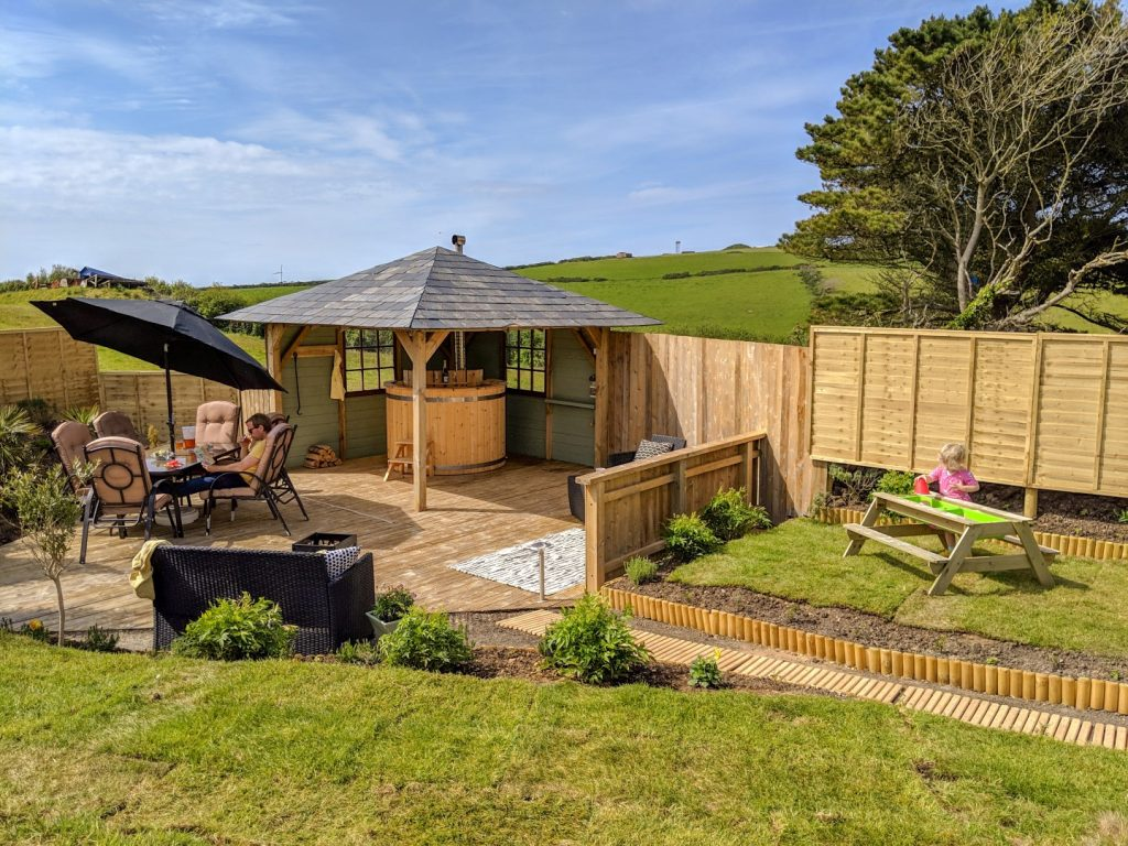 Cosy Nook Retreat - Newquay, Luxury Caravan With Private Hot Tub And Gardens