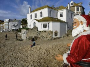 Credit Tracey Pascoe | Father Christmas St Ives